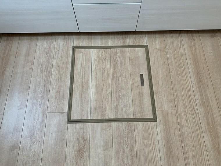 キッチン ・建設中の為同仕様写真を使用しております。