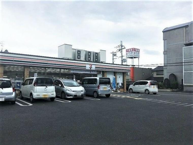 コンビニ セブンイレブン天理杉本町店