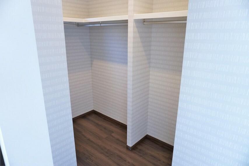 収納 収納力豊富なウォークインクローゼット付き。洋服や小物などを1箇所にまとめて美しい収納を実現します。