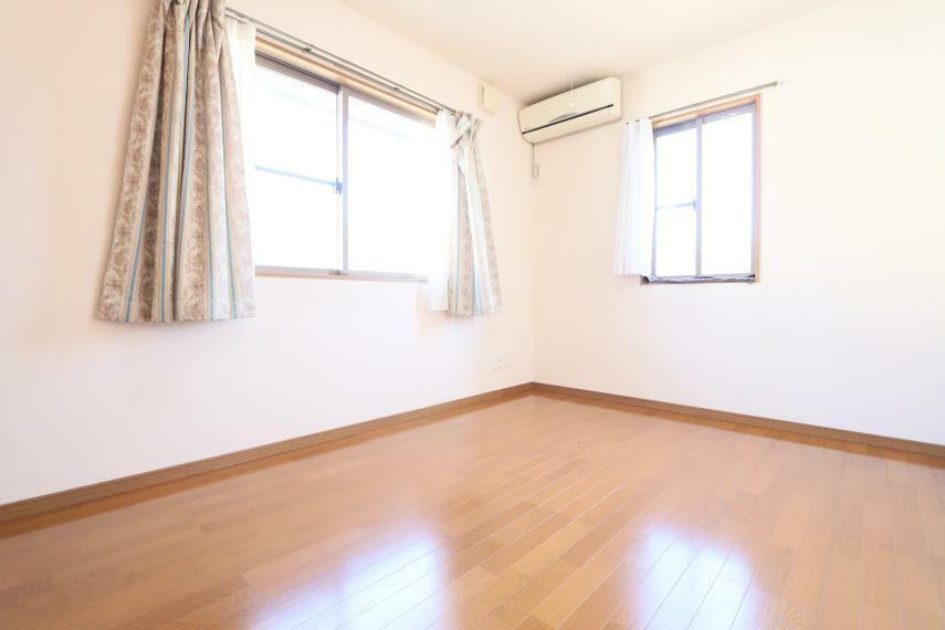 洋室 6帖洋室 2面採光で日当たり良好です!