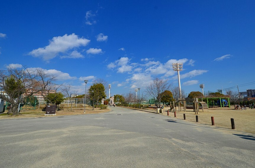 公園 【公園】西宮中央運動公園まで649m