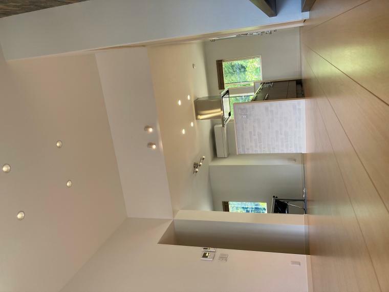 居間・リビング 3.3Mの高天井