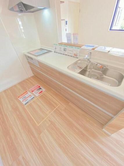 キッチン 収納力と使いやすさを兼ね備えたシステムキッチン