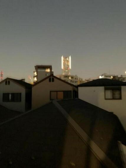 眺望 ランドマークタワーが望めます~夜景も綺麗ですね~