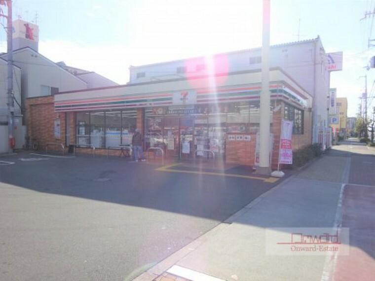 コンビニ 【コンビニエンスストア】セブンイレブン 大阪放出東店まで320m