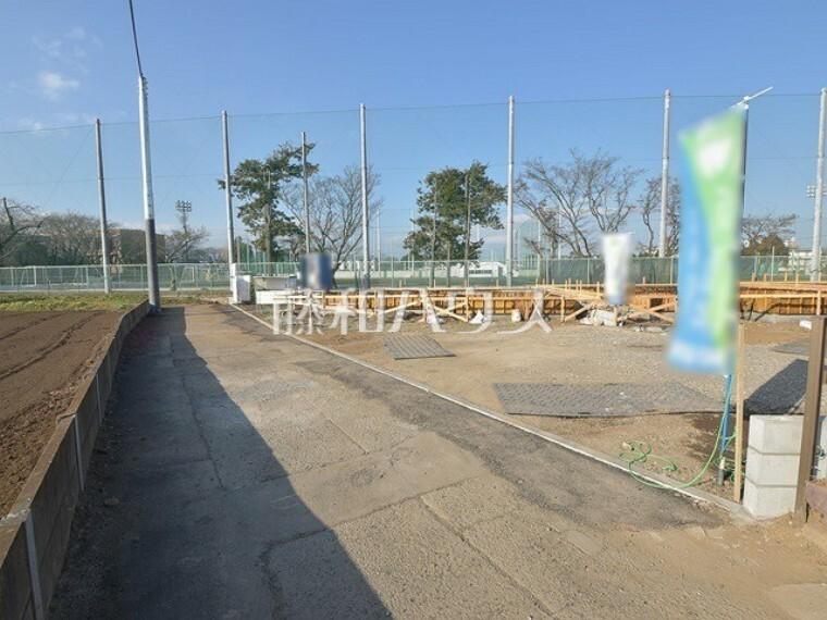 現況写真 接道状況および現場風景 【武蔵村山市学園5丁目】