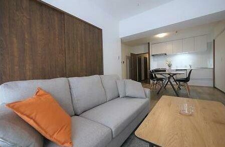 リビングダイニング 嬉しい家具付き物件です。 初期費用も浮きますね。