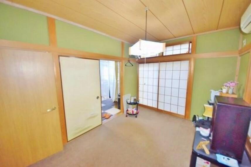 和室 リビングと和室を合わせると約18帖の広さが造り だせる演出です。