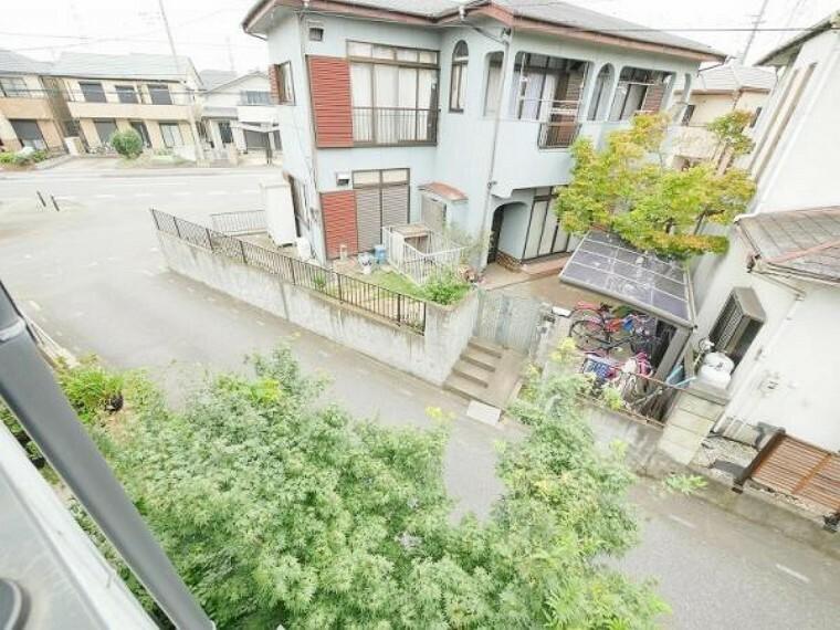 眺望 2階バルコニーからの 眺望です。建物を遮る 物もなく開放的な周辺 環境です。