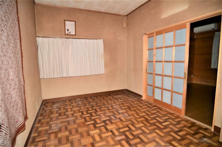 洋室 DK横6帖洋室
