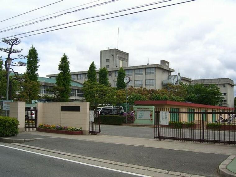 中学校 摂津市立第三中学校