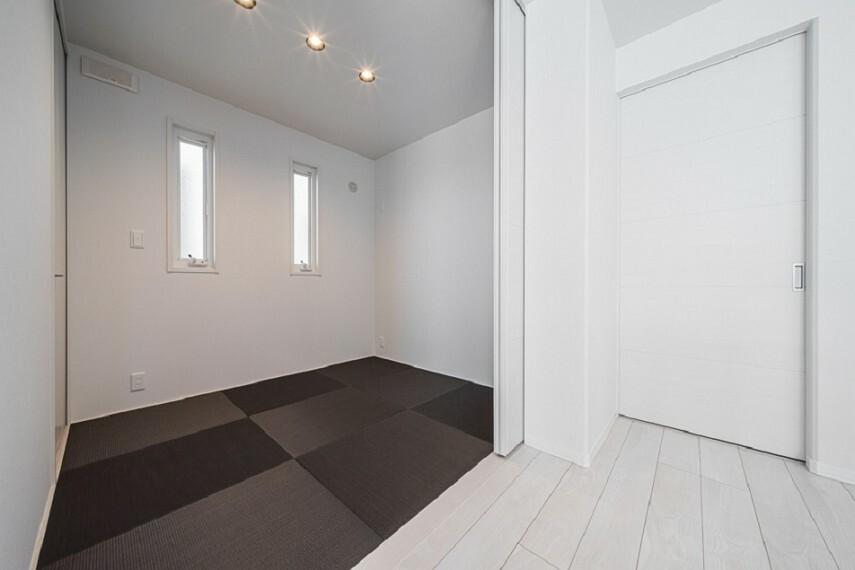 和室 No.7_和室(撮影_2021年3月)LDKと続きの和室。お子様が遊んでも怪我をしにくく安心です。収納はお布団やおもちゃ入れにご活用ください。