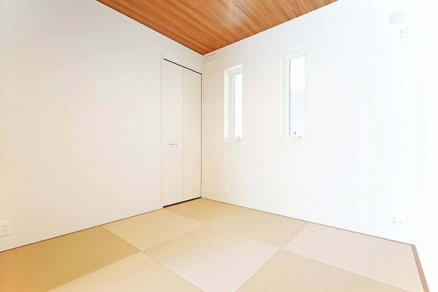 和室 No.23_和室(撮影_2021年3月)約4.5畳の畳スペースはLDKとつなげると約22畳の大空間に。客間としても、お子様の遊び場としてもお使いいただけます。