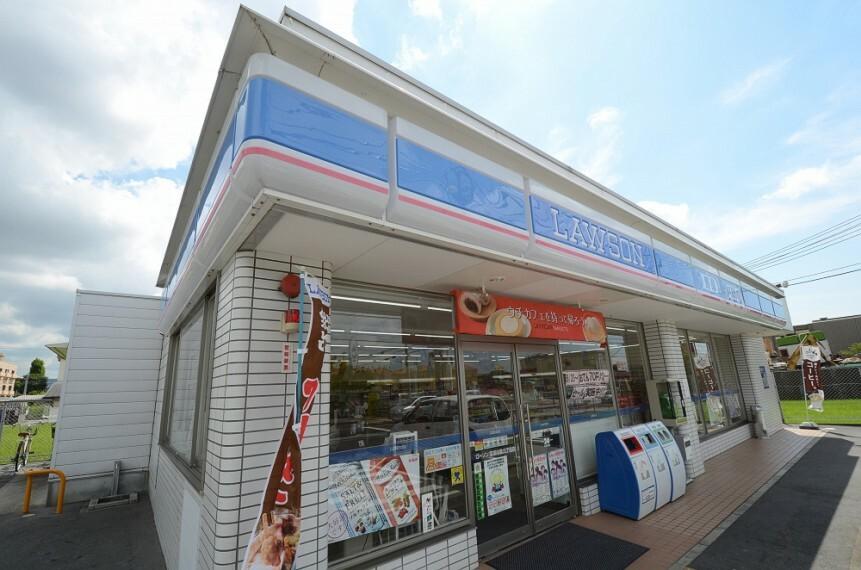 コンビニ 【コンビニエンスストア】ローソン宝塚中筋6丁目まで617m