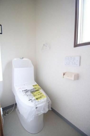 トイレ 1階のトイレ。交換済みです。