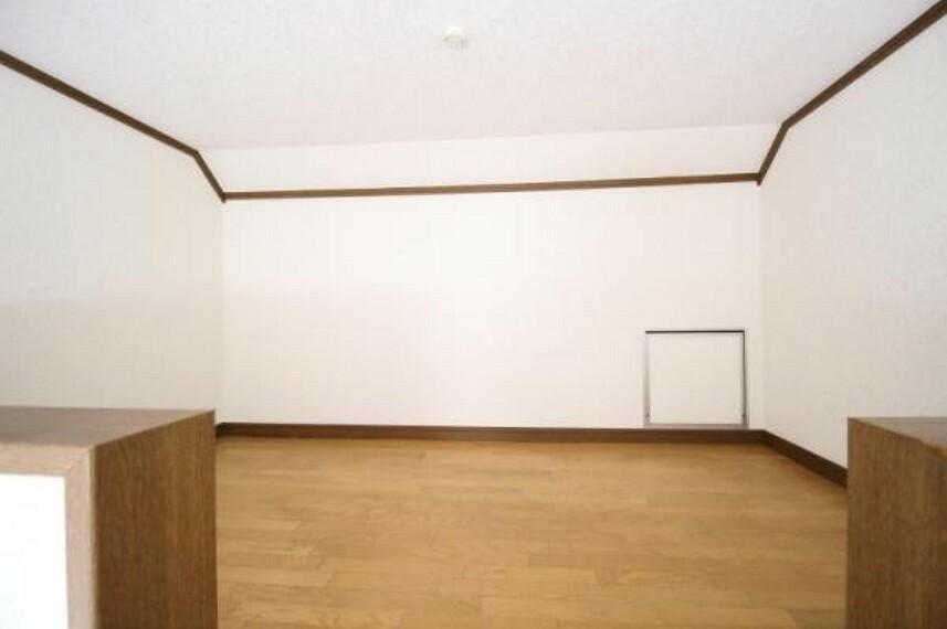 収納に便利なロフト付き!隠れ家風なスペースにしてもいいですね。