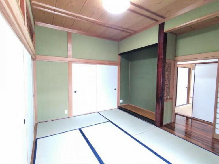 【リフォーム後写真】リビング横6和室の写真です。畳の表替えを行いました。明るい仕上がりとなっています。