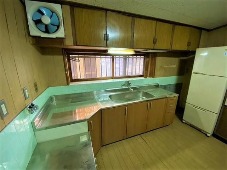 キッチン L型キッチンは動線スムーズでお料理がはかどりますね