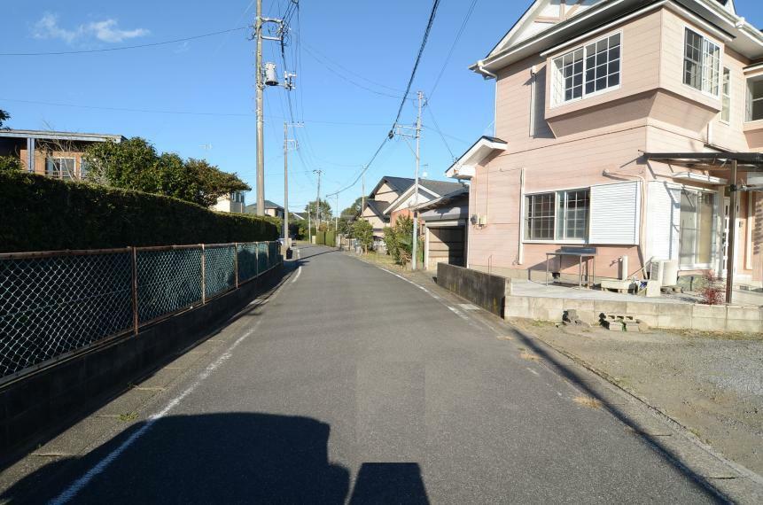 外観写真 西側接道道路