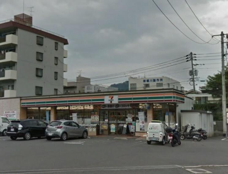 コンビニ セブンイレブン 広島青崎店