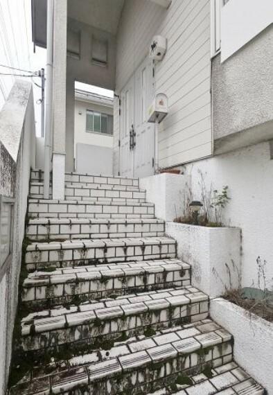 玄関 玄関階段