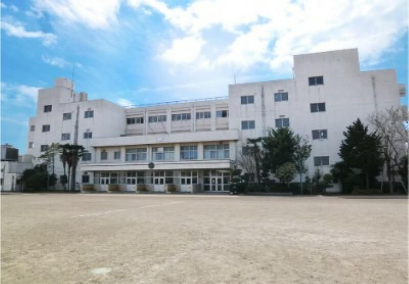中学校 【中学校】引地台中学校まで1165m