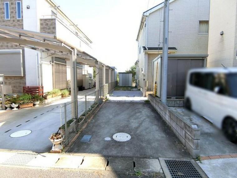 外観・現況 カースペースは3台駐車可能です