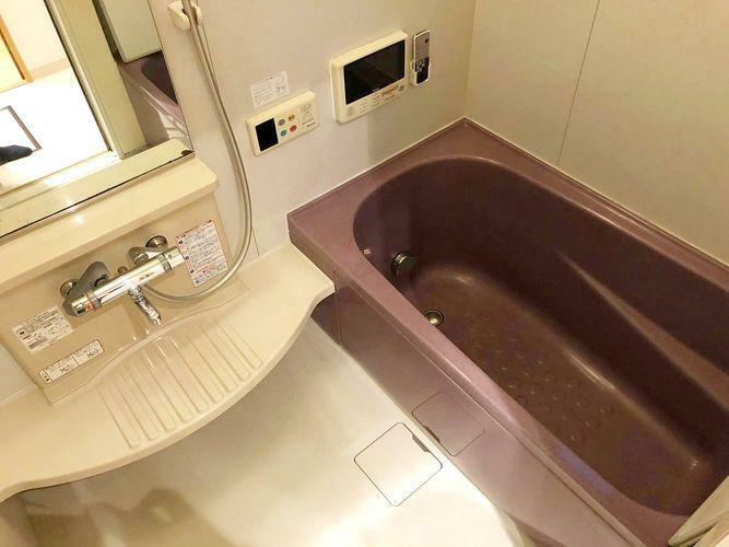 浴室 心と身体と向き合う、セルフケアの大切な基地として。 日々のバスタイムをより心地よく有効なひとときにするために。