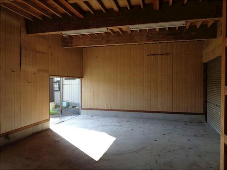 外観・現況 附属建物1F倉庫2