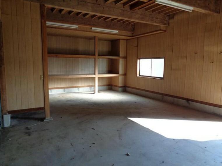 外観・現況 附属建物1F倉庫4