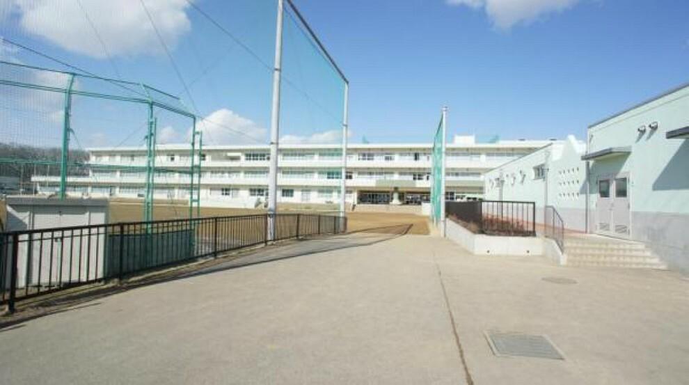 小学校 愛子小学校 徒歩13分 小さなお子様でも無理なく通えます。