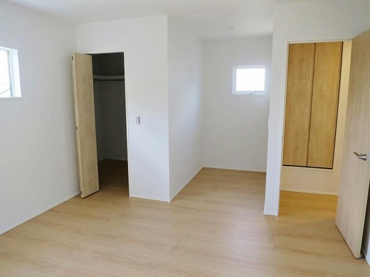 寝室 9.5帖の主寝室はワークスペースとしての利用可能な造りになっています。