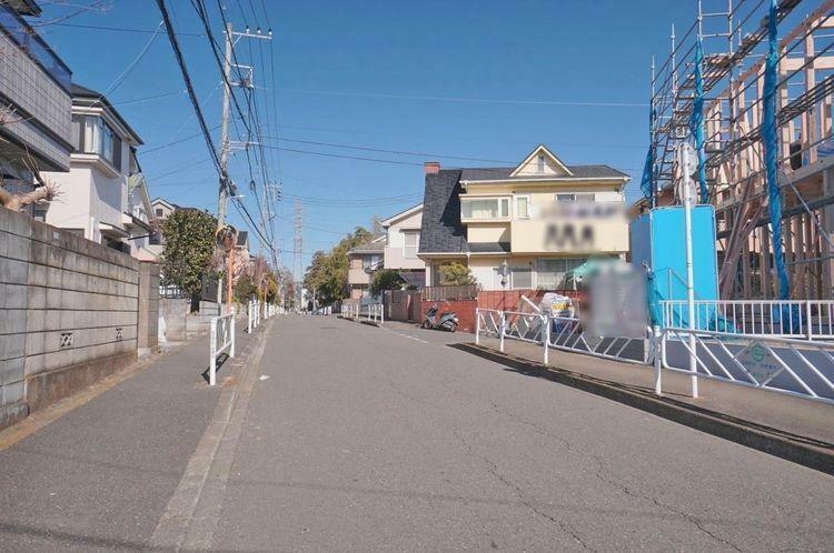 現況写真 主に近隣にお住まいの方が利用する道路なので、防犯面でも安心感があります。