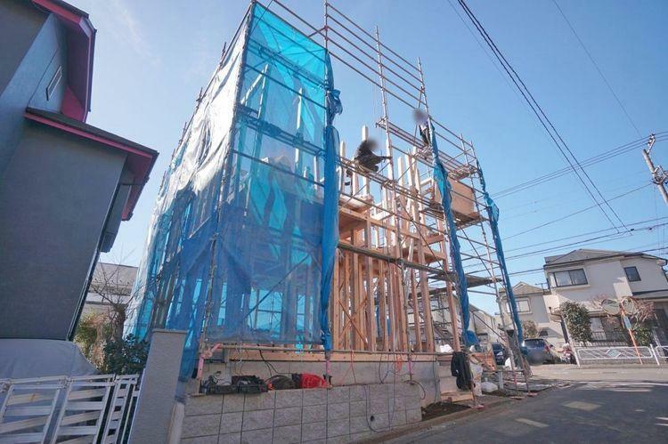 現況写真 スタイリッシュな建物が建築される予定です。充実した設備もお勧めです。