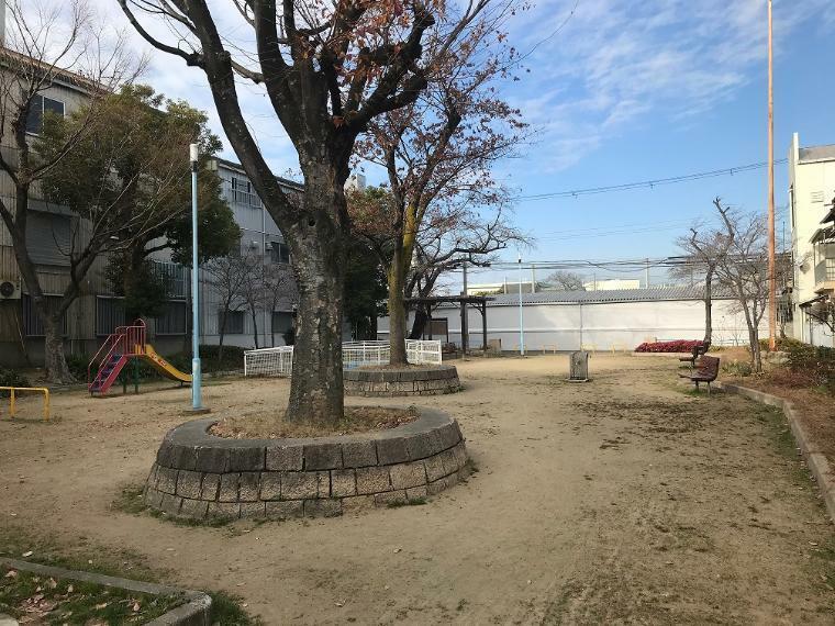 公園 田川西公園まで徒歩2分! お子様とゆっくりできます!
