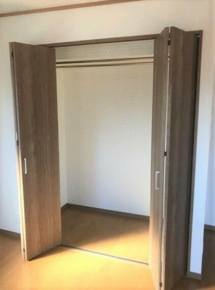 収納 各部屋にクローゼットがあります。お部屋に収納があるとスッキリ整理整頓できますね