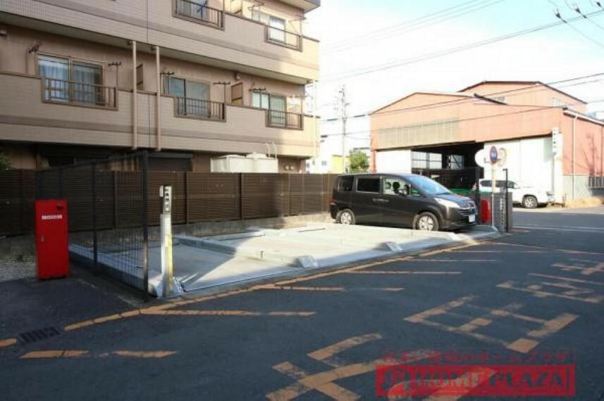 駐車場 敷地内に駐車場があり便利です。