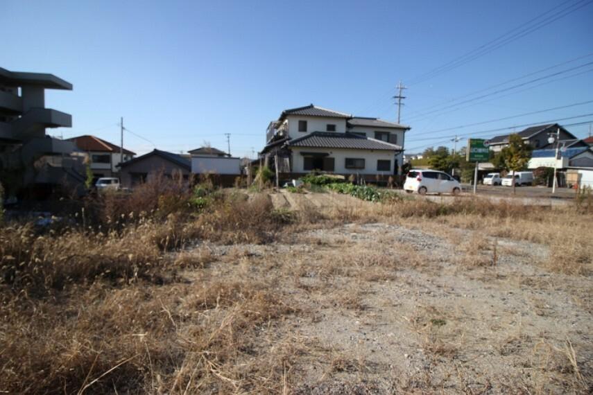 外観・現況 二世帯住宅にもオススメのゆったりとした敷地