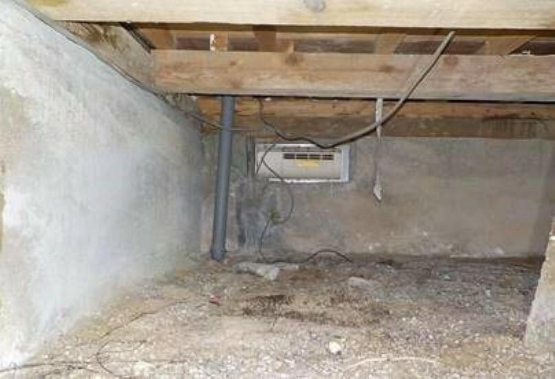 構造・工法・仕様 中古住宅の3大リスクである、雨漏り、主要構造部分の欠陥や腐食、給排水管の漏水や故障を2年間保証します。その前提で床下まで確認の上でリフォームし、シロアリの被害調査と防除工事も行いました。