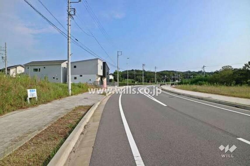 現況写真 物件の西側前面道路(北側から)[2020年9月21日撮影]