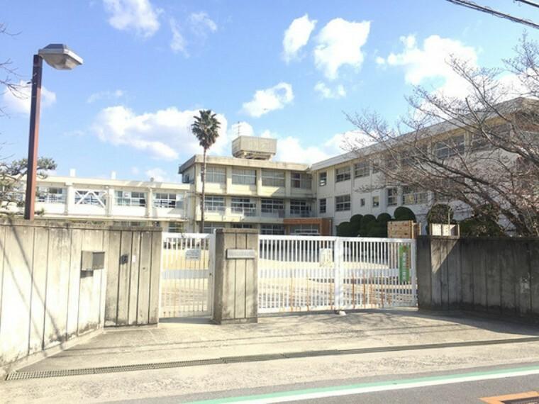 小学校 香芝市立志都美小学校