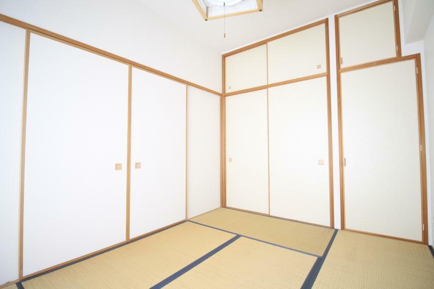 和室 6帖の和室は、お子様の遊び場やお昼寝、来客用の寝室にと多様な用途で使えます。