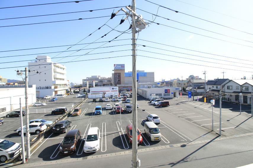 現況写真 ショッピングセンターやスーパーなどの揃っていて、生活しやすい地域です(*^^*)