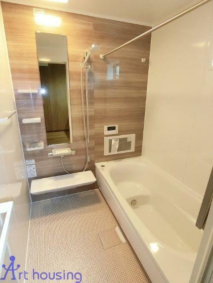 浴室 お掃除ラクラクほっカラリ床・浴室TV・浴室換気乾燥暖房機付