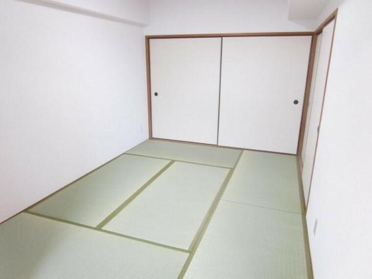 (リフォーム後)和室6畳はクロス張替え、畳表替え、襖張替えをしました。和室で落ち着ける空間になりましたよ。