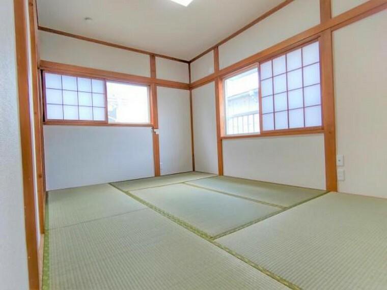【リフォーム済】2階和室の写真です。畳の表替え、壁紙の張替え、障子張替え等リフォームいたしました。