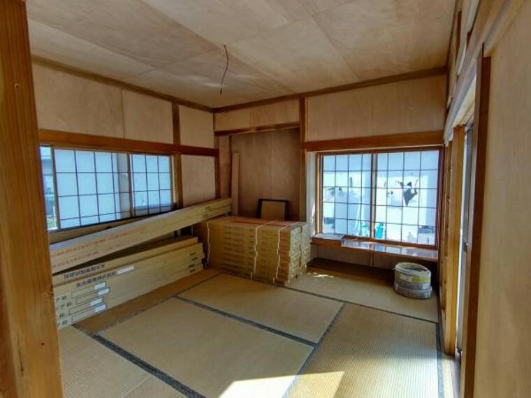 和室 【現在リフォーム中】1階8帖和室です。こちらのお部屋は畳の表替え、クロス、襖、障子の貼替え、照明交換を行います。寝室や客間にいかがでしょう。