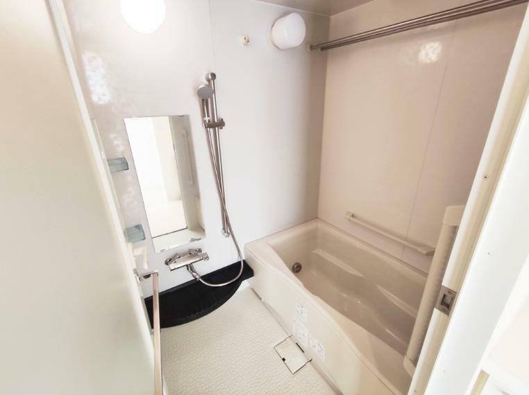 浴室 浴室乾燥、暖房機能付きです