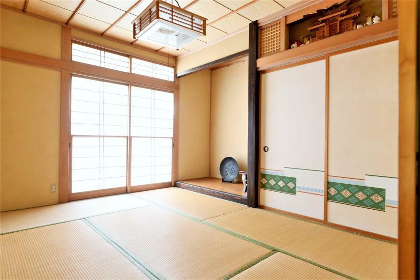 和室 床の間つき和室は来客スペースとしてもおすすめです