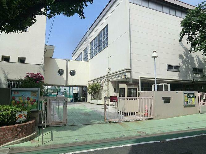 小学校 渋谷区立鳩森小学校 徒歩6分。